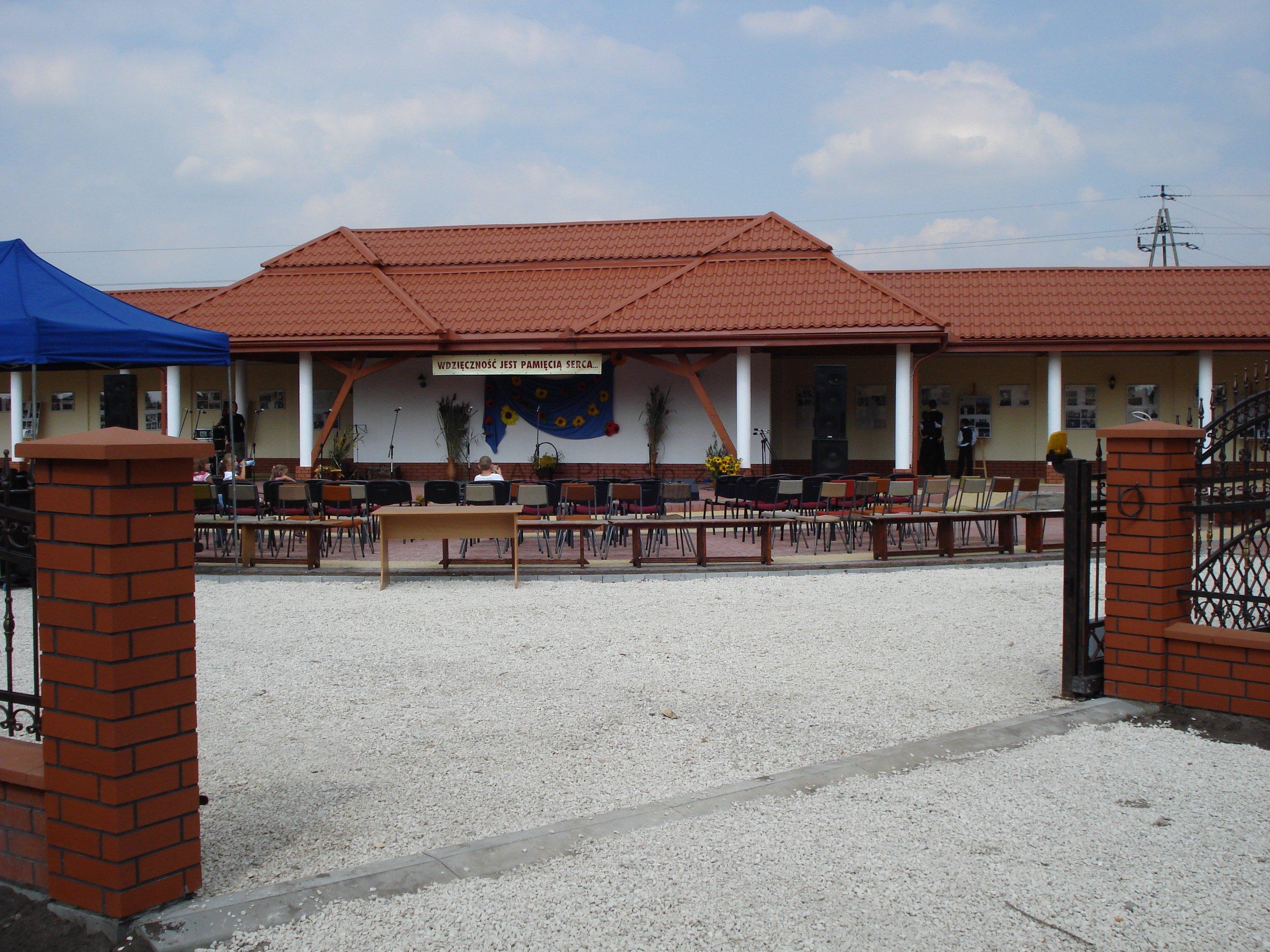 Budynek wystawienniczo - ekspozycyjny przy pawilonie