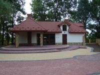 Projekt i realizacja pawilonu turystycznego w Jadownikach Mokrych, gm. Wietrzychowice, powiat Tarnowski.